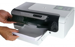 HP Officejet Pro 8000: Paper feed for 250 sheets...